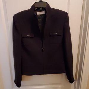Taheri womens suit